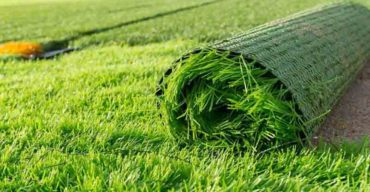 benefícios da grama sintética