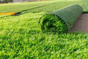 como limpar grama sintética instalação